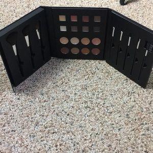 NWOT makeup folder